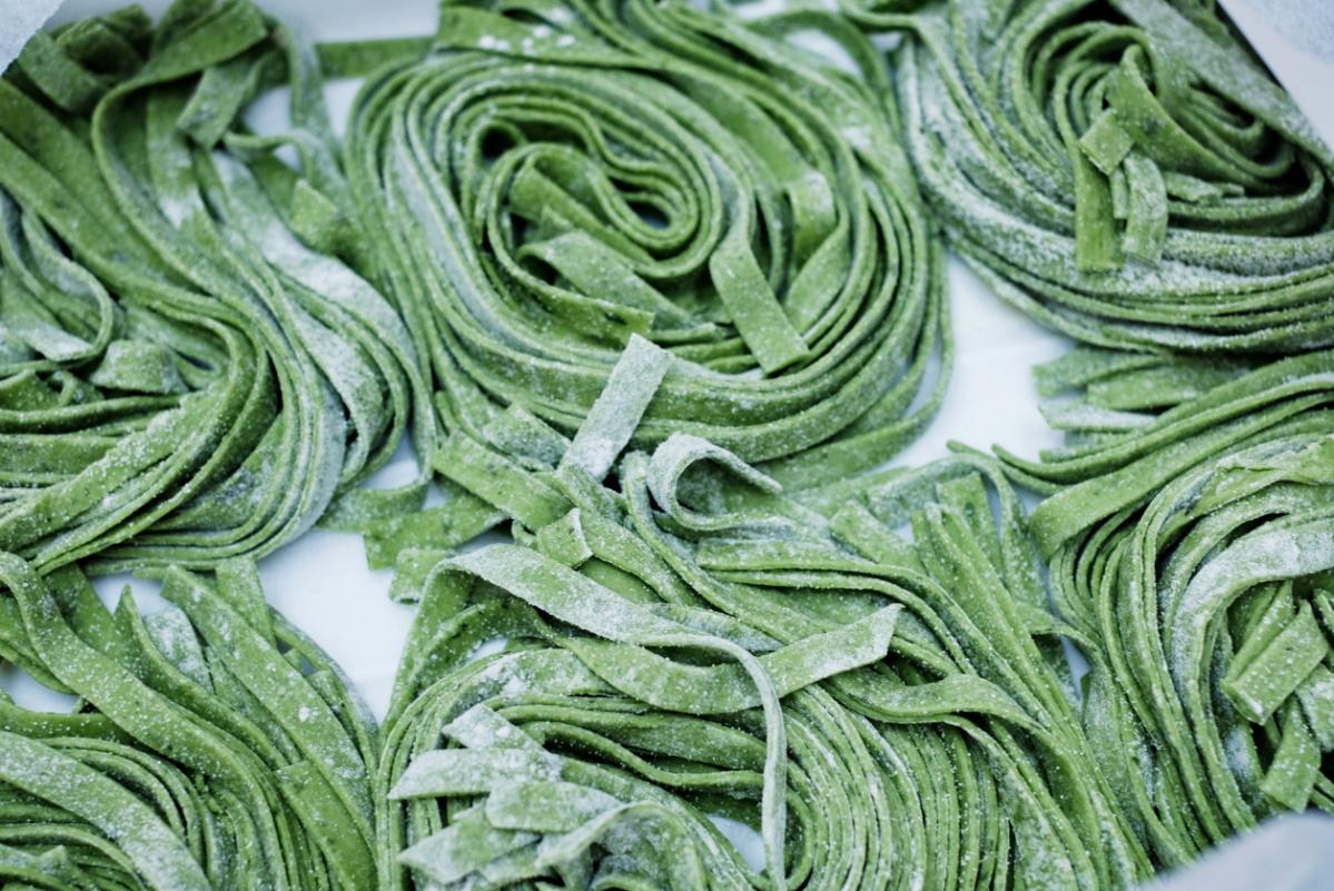 Green Tagliatelle (v)