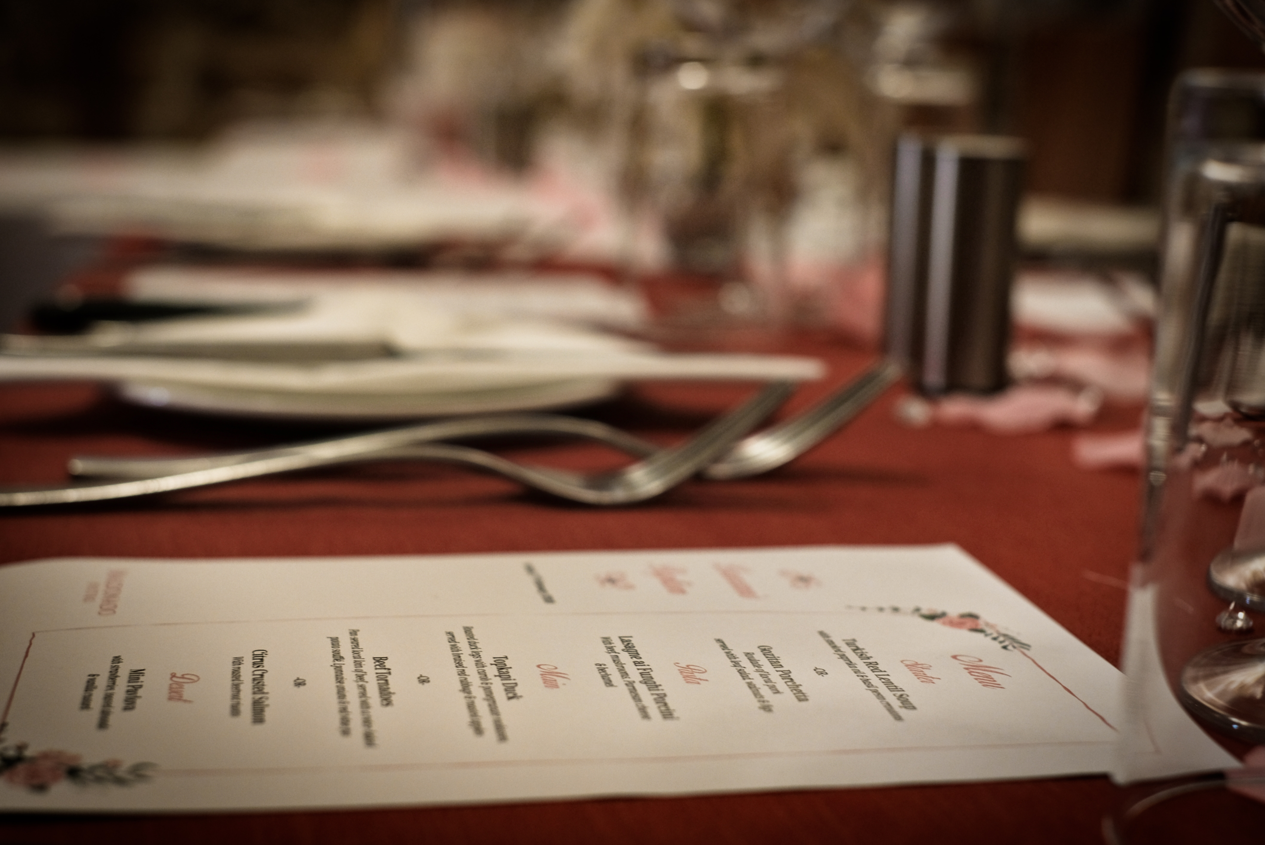 Table setting for a boutique wedding